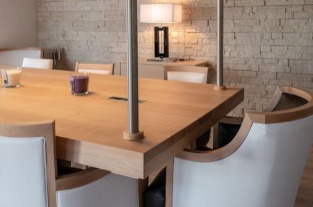 Table suspendu