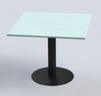 Table 90 x 90 avec piétement en fonte